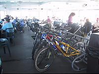 フェリーの中の自転車置き場。とっても便利。
