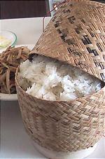 もち米が入っている籠がかわいい。