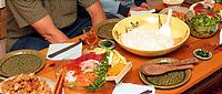 手巻き寿司の食卓。