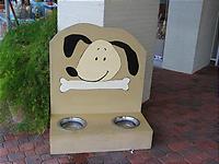 犬グッズ専門の店もある