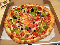 危なげない味のピザ
