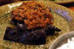 揚げ茄子の肉味噌がけ/猫にごはん